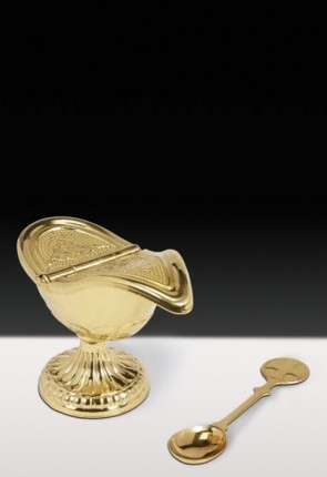 Sudbury Brass Incense Boat With Hinged Cover And Spoon